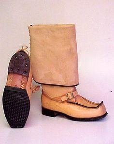 Oikeat lapikkaat. ....................Original Lappish boots, Finland
