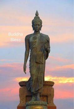 Namaste Buddha, Credit Score, Namaste, Statue Of Liberty, Chakra, Astrology, Zen, Witch, Meditation