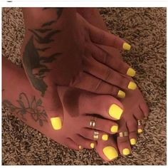 This Cool summer pedicure nail art ideas 18 image is part from 75 Cool Summer Pedicure Nail Art Design Ideas gallery and article, click read it bellow to see high resolutions quality image and another awesome image ideas. Yellow Toe Nails, Toe Nail Color, Yellow Nail Art, Nail Colors, Neon Toe Nails, Stiletto Nails, Pastel Yellow, Bright Yellow, Diy Acrylic Nails