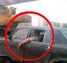 Meanwhile in Russia. Like A Boss lol! Funny Car Memes, Crazy Funny Memes, Wtf Funny, Hilarious, Funny Images, Funny Photos, Meanwhile In Russia, Wtf Moments, Funny Laugh