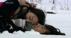 Kim Tae Hee & Lee Byung Hun ; Iris