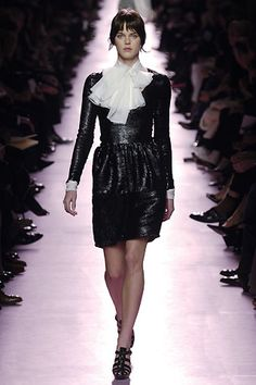 Saint Laurent - Fall 2006 Ready-to-Wear - Look 32 of 40