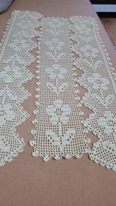 Esma's media content and analytics Crochet Lace Edging, Crochet Motifs, Crochet Borders, Crochet Stitches Patterns, Doily Patterns, Crochet Doilies, Knitting Patterns, Crochet Home, Crochet Crafts
