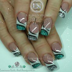 french nails for wedding Messy Buns Pretty Nail Art, Cool Nail Art, Toe Nail Designs, Acrylic Nail Designs, Acrylic Nails, Fabulous Nails, Gorgeous Nails, Manicure Gel, Luminous Nails
