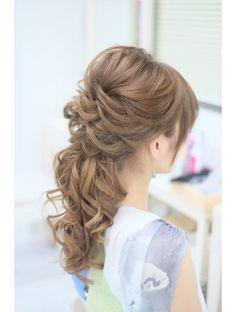 ルーズスジのハーフアップ☆ Bride Hairstyles, Pretty Hairstyles, Mother Of The Bride Hair, Hair Arrange, Bridal Hair, Bangs, Ball Gowns, Hair Color, Hair Beauty