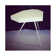 «Tripod Side table, Memphis style late 80's (Italy) #modernarium #minimalist #postmodern #architecture #graphic #geometric #sidetable #table #pure #design…»