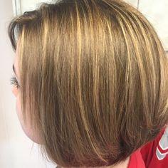 Beautiful natural looking foiled high lights by Roxy Staples- Lavish Salon, Marshall, IL. #highlights #blonde #brown #natural #roxystapleshairartist #lavish #illinois #olaplex #modernsalon