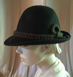 Forest Green Wool Felt Tyrolean Hat Made in Austria Circa 1940s Beach Toys f21840aa0101