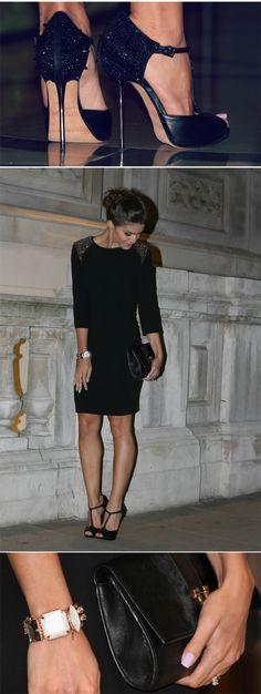 Vestido: Zara / Sapato: Sam Edelman / Clutch: Vince Camuto / Pulseira: Gabriela Pires