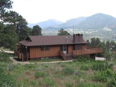 Breathtaking Views, Huge Deck, Private, Fireplace in Estes Park $190/night