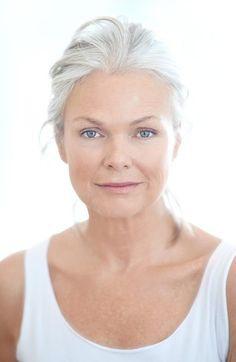 Natural fresh-faced beauty with lovely silver hair #ageless #beauty