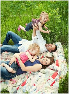 family photo- I totally want to do a session like this someday