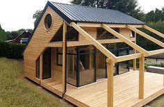 une maison préfabriquée en bois