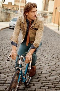 My Morning (and Evening) Jacket: Nikolaj Coster-Waldau [Jaime Lannister from Game of Thrones] in Denim Jackets Game Of Thrones Cast, Nikolaj Coster Waldau, Revival Clothing, Jaime Lannister, The Right Man, Gq Magazine, Poses, Editorial Fashion, Men Casual