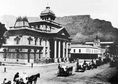 Vintage Image of Adderley Str, Cape Town with Standard Bank, Cartwright's Corner and The Groote Kerk (circa Notice the taxi parking bays in the centre of the street. Old Pictures, Old Photos, Vintage Photos, Vintage Photographs, East Indies, Out Of Africa, Historical Images, Most Beautiful Cities, African History