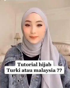 Modern Hijab Fashion, Street Hijab Fashion, Hijab Fashion Inspiration, Look Fashion, Hijab Turban Style, Mode Turban, Simple Hijab Tutorial, Hijab Style Tutorial, Stylish Hijab