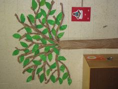 During the first week of school, we finger paint sheets of finger-paint paper with various shades of green and cut out leaf shapes. Classroom Tree, 2nd Grade Classroom, Classroom Ideas, Reading Tree, Arts And Crafts, Diy Crafts, Walk In The Woods, Finger Painting, Boys Room Decor