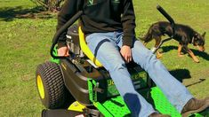 John Deere Zero-turn Mower at Vanderfield