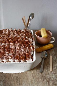 Prăjitură cu cremă de Nutella și Mascarpone - The secret ingredient is one heaping teaspoon of love Nutella, Cereal, Breakfast, Cakes, Food, Mascarpone, Morning Coffee, Cake Makers, Kuchen