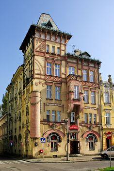 SECESJA: Kamienica Pod Żabami, Bielsko-Biała (1903).