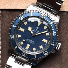 French military tudor submariner Ref. 94010 for today. Mens Sport Watches, Luxury Watches For Men, Tudor Submariner, Best Looking Watches, G Shock Watches, Wrist Watches, Rolex Tudor, Swiss Army Watches, Seiko Watches