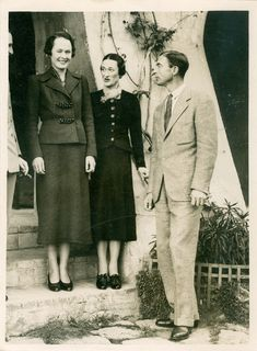 "WALLIS WARFIELD SIMPSON with her long-time friends Katherine and Herman Rogers at their home ""Lou Vei"" in the South of France where she fled in the wake of press harassment & death threats in December 1936. From there she begged David - fruitlessly - not to abdicate."