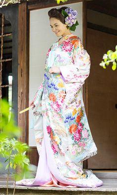 結婚式で人気の色打掛レンタル | 福岡・熊本JUNO(ジュノ)