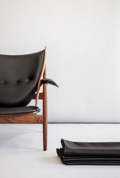 Chieftains Chair by Finn Juhl / One Collection Sorensen Leather: Elegance / Black. Photo: Jonas Bjerre-Poulsen / #NORMarchitects