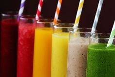23 Smoothies That Aid in Weight Loss I love smoothies! Smoothies that aid in weight loss offer a delicious, nutritious way to lose weight. Plus, do you know how many weight loss smoothies there my-style Smoothie Bol, Smoothie Drinks, Healthy Smoothies, Healthy Drinks, Smoothie Recipes, Healthy Recipes, Rainbow Smoothies, Easy Recipes, Healthy Food