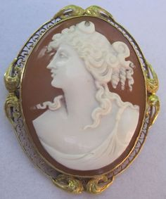Large Beautiful Cameo, 10k Filigree Carved Shell Pin/Brooch/Pendant Facing Left