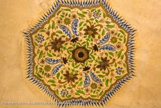 Amer Fort 016: A beautiful mixture of Hindu and Mughal art. Amer Fort, Ceiling Painting, Rajasthan India, Holiday Decor, Beautiful, Art, Art Background, Paint Ceiling, Goa India