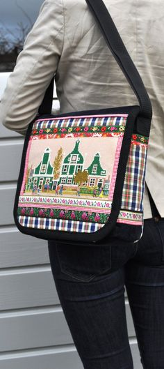This bag is reserved for Susan Messenger bag Dutch houses