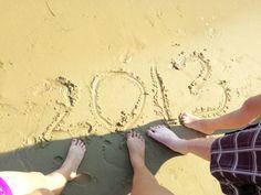 Great Sand/Beach Family Photo Idea  #family #photography #beach