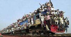 VISTO DAL basso    : PENSIERI E PAROLE L'India e il treno sbagliato