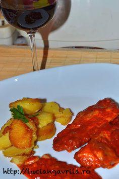 Pork #escalope in red sauce                            Escalop de porc cu sos roșu