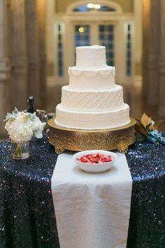 classic white cake with navy glitter linen | Caroline Joy #wedding