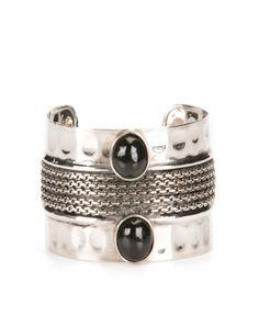 Compre Online Bijoux diversas: anéis, pulseiras, colares e brincos. ☑ Pague em 6x sem juros ☑ Frete e Troca Grátis* ☑ Entrega Rápida.
