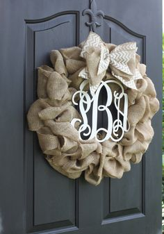 Wreath - monogram wreath - burlap wreath - wreath for door - Fun Arts And Crafts, Diy Crafts For Gifts, Diy Craft Projects, Fall Crafts, Home Crafts, Sunflower Burlap Wreaths, Diy Crafts For Boyfriend, Monogram Wreath, Wreath Burlap