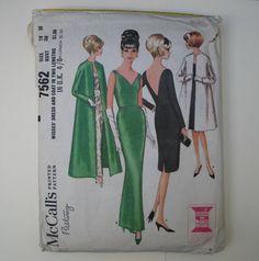 Vintage Dress Pattern, McCall's 7562,