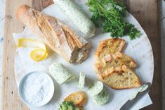 Bylinkové máslo Fresh Rolls, Steak, Cheese, Ethnic Recipes, Food, Essen, Steaks, Meals, Yemek