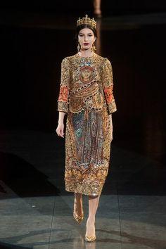 Dolce+Gabbana+Fall+2013+0wq1mj-bfaGl