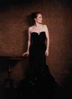 Julianne Moore by Peter Lindbergh as Madame X by John Singer Sargent (1884) , May 2008