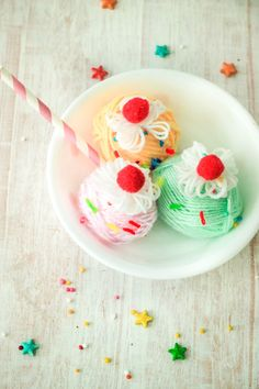 Easily spruce up summer holidays by whipping up this adorableYarn Wrapped Ice Cream Sundaewith your child today! Unlimited Pretend Play fun guarenteed