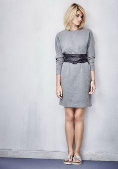 Ob lässig, elegant oder gemütlich, das ist bei diesem grau-melangefarbenen Sweatkleid letzlich nur eine Frage des Stylings. #Sweatkleid #Impressionenversand
