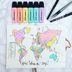 Het is tijd om te doen wat je leuk vindt! Maak een betoverende bullet journal me… It's time to do what you like! Make an enchanting bullet journal with all the places you want to go! Bullet Journal School, Bullet Journal Travel, Bullet Journal 2019, Bullet Journal Notebook, Bullet Journal Spread, Bullet Journal Layout, Bullet Journal Ideas Pages, Bullet Journal Inspiration, Book Journal