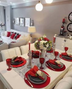 Credit to ❤❤❤❤❤❤❤❤ by و دکوراسیون منزل Entrance Table, Entrance Decor, Decoration Bedroom, Decoration Table, Houston Houses, Modern Foyer, Foyer Design, Table Set Up, Christmas Table Settings