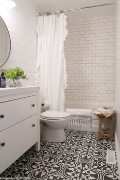 45 modern farmhouse bathroom makeover decor ideas – Best Home Decorating Ideas Shiplap Bathroom, Basement Bathroom, Bathroom Flooring, Small Bathroom, Master Bathroom, Bathroom Ideas, Bathroom No Window, Bathroom Designs, Gold Bathroom