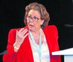La senadora y ex alcaldesa de Valencia Rita Barberá ha fallecido este miércoles de madrugada a consecuencia del infarto que ha sufrido en el hotel de Madrid en el que se alojaba. Los sanitarios de emergencias del SUMMA han acudido a atenderla pero finalmente no han podido hacer nada por salvar su vida.
