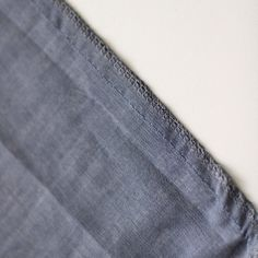 DIY la jupe froncée - Les Tissus du Chien Vert Techniques Couture, Fashion, Dressmaking, Couture Skirts, Couture Facile, Types Of Skirts, Moda, Fashion Styles, Fashion Illustrations