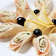 Finger food veloci: rotoli salati farciti per stuzzichini da aperitivo!
